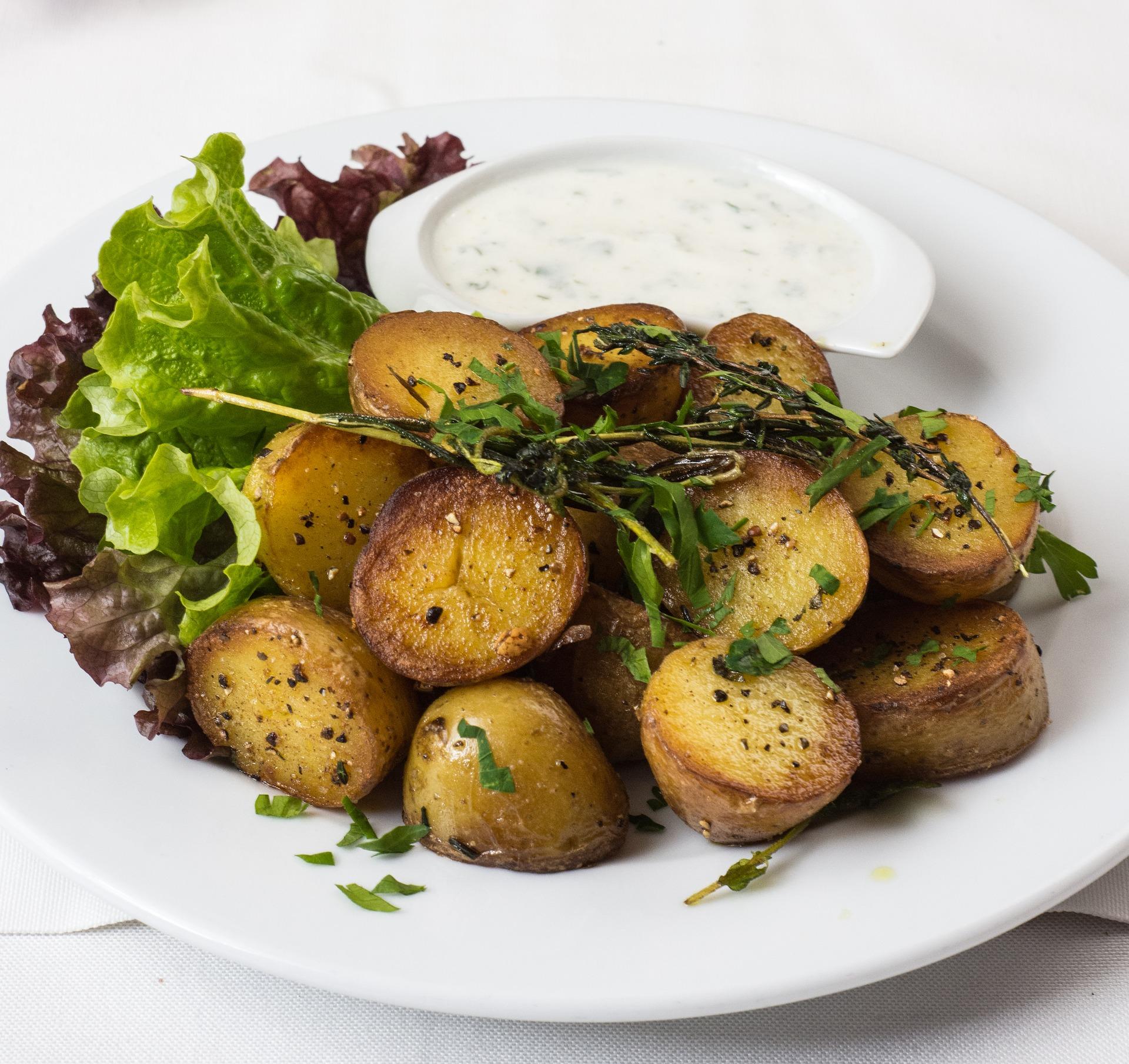 Venkovská kuchyně - pečené brambory