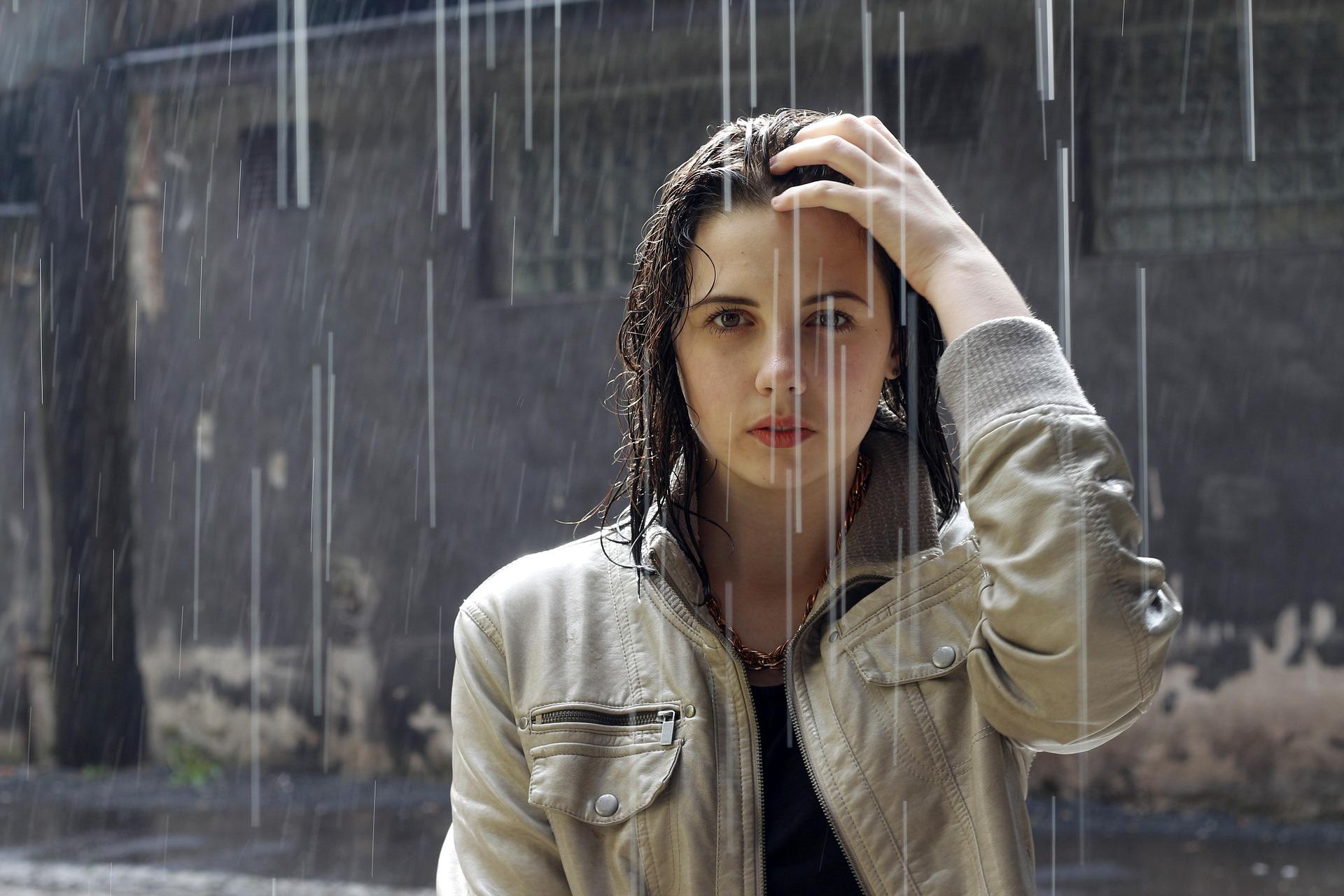 Co s sebou na focení v dešti
